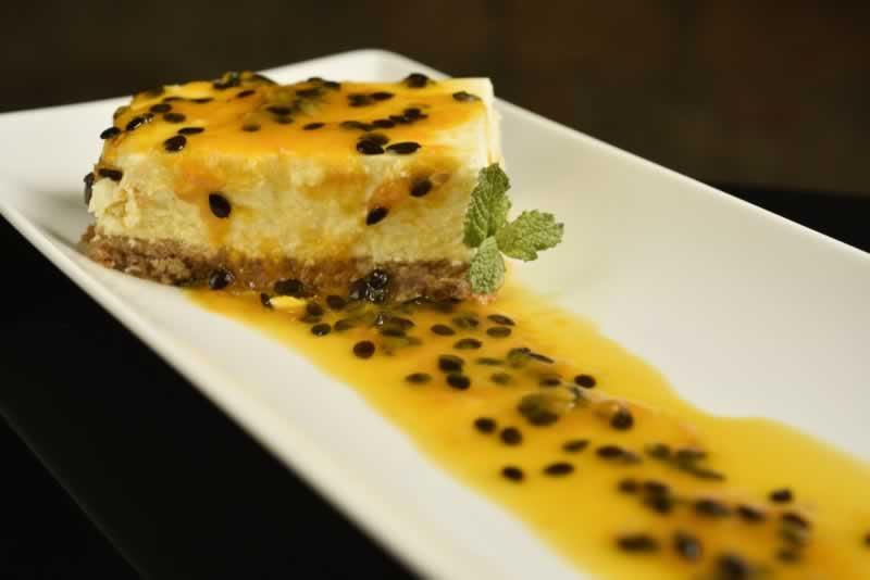 Cheesecake de maracujá  -  Foto por Bruno de Lima