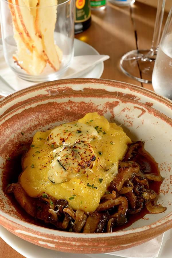 http://turismo-sa.com/imagens/Enosteria-Vino-e-Cucina_byMauroHolanda.jpg