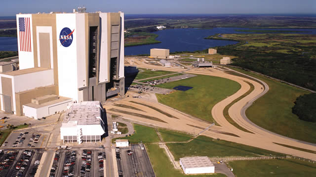 Kennedy Space Center Visitor Complex - Space - Florida - NASA - Fighting Gravity