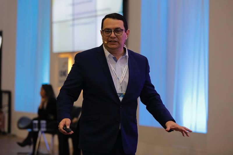 Lúcio Oliveira 4C Solutions