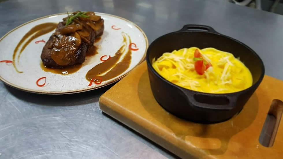 Fettucine a la Hancaina - Restaurante Quinoa