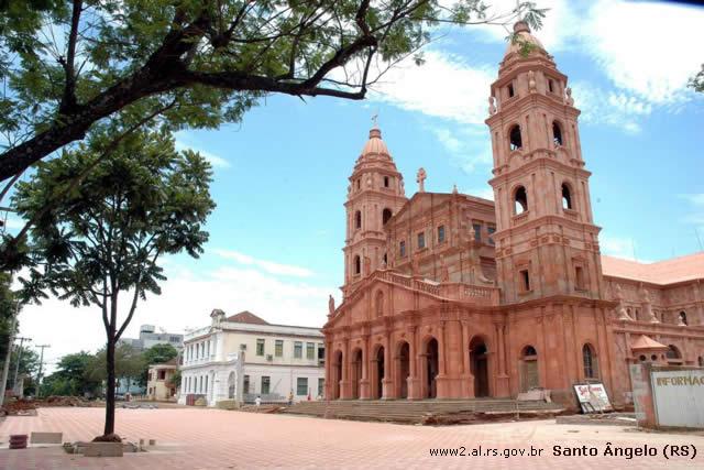 Azul completa um mês em Santo Ângelo (RS) e reaquece economia local
