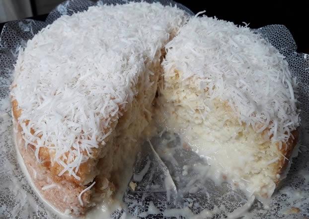 bolo de côco - Klabin Gastronomia